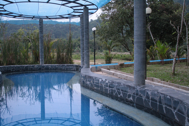 Visit to Nam Ron Hot Springs Khao Sok Thailand