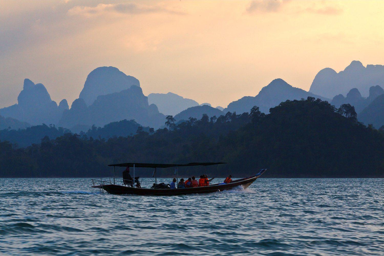 Khao Sok Cheow Lan lake